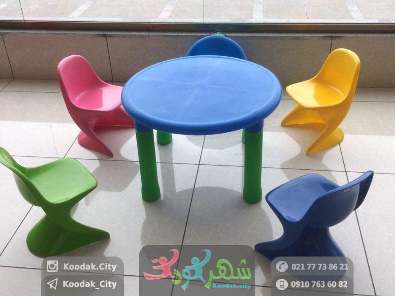 صندلی کودک رامو و میز چیکو